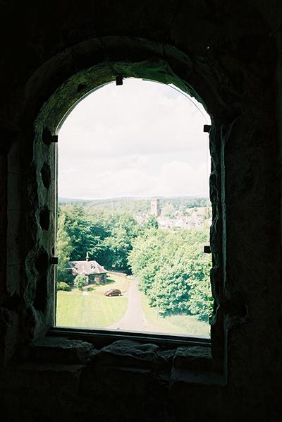 Doune_Castle_the_window-small